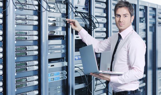 تکنسین شبکه چه دوره های را باید طی کند